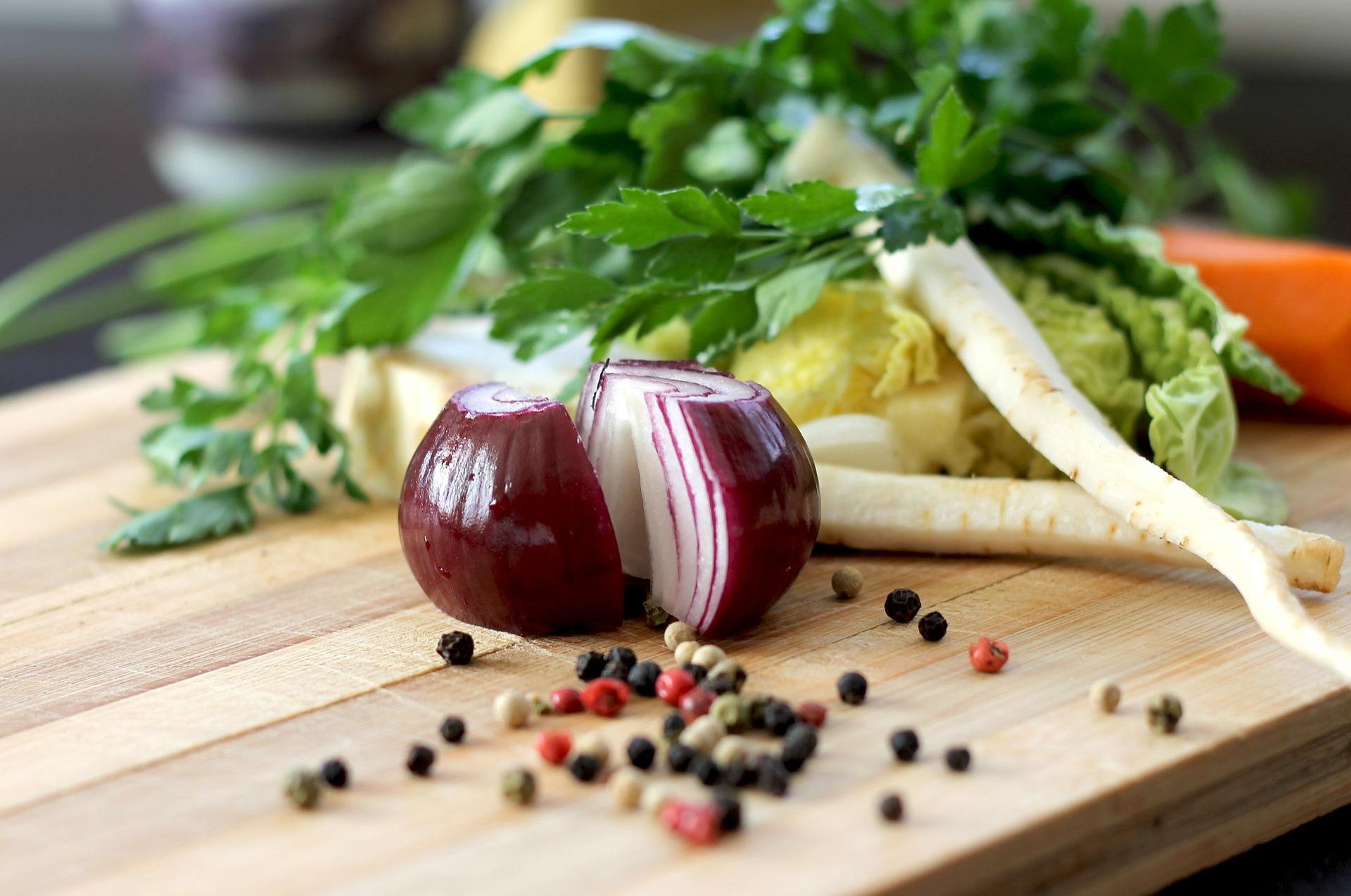 Dlaczego płaczemy podczas krojenia cebuli?